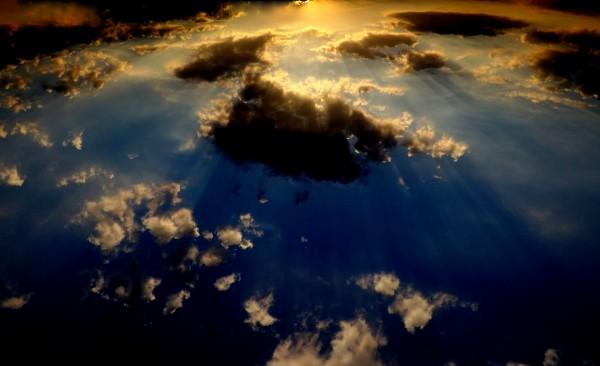 sky-1066427_1920